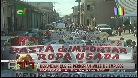 Santa Cruz: Los confeccionistas marcharon exigiendo control de ropa usada