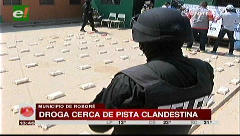 Roboré: Felcn halla 98 kilos de cocaína en una pista clandestina