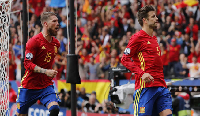 Image result for ramos y pique seleccion 2017