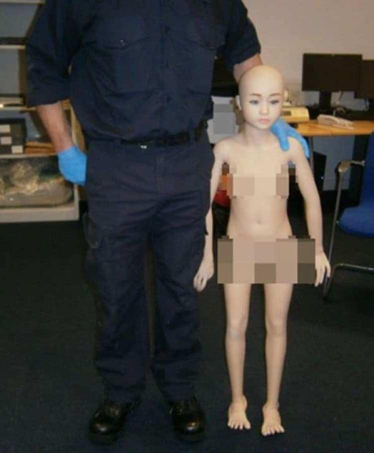 La muñeca sexual de un metro y 20 centímetros que secuestró la Fuerza de Frontera del Reino Unido (Agencia Nacional del Crimen)