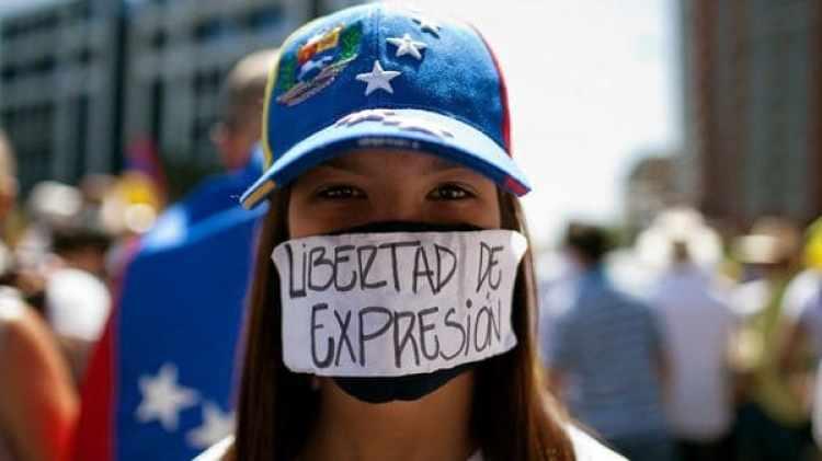 Los medios de comunicación son perseguidos por el régimen de Nicolás Maduro