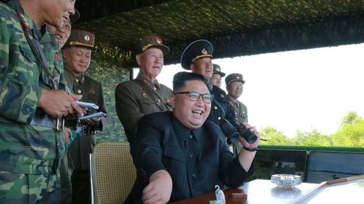 Un Kim Jong-un sonriente poco antes de la sexta prueba nuclear (AFP)