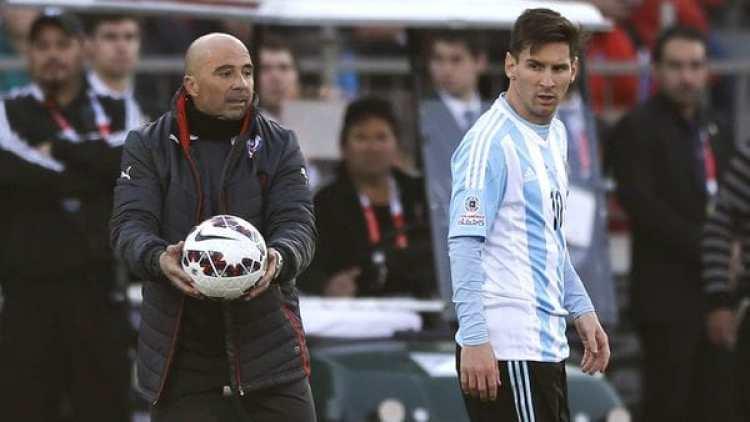 El entrenador argentino Jorge Sampaoli y su máxima estrella, Lionel Messi(AP Photo/Ricardo Mazalan)