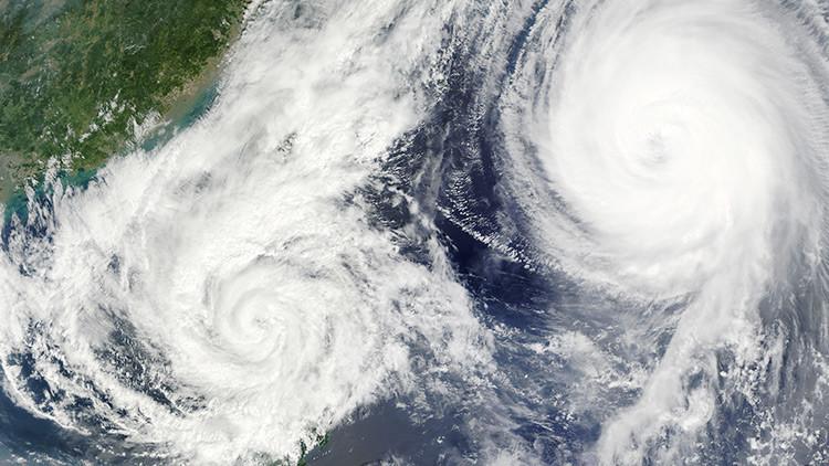 Peligrosa proximidad: Qué pasa cuando dos huracanes están demasiado cerca