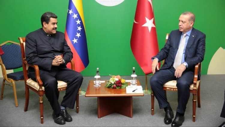 El líder chavista también se reunió con Recep Erdogan (Reuters)