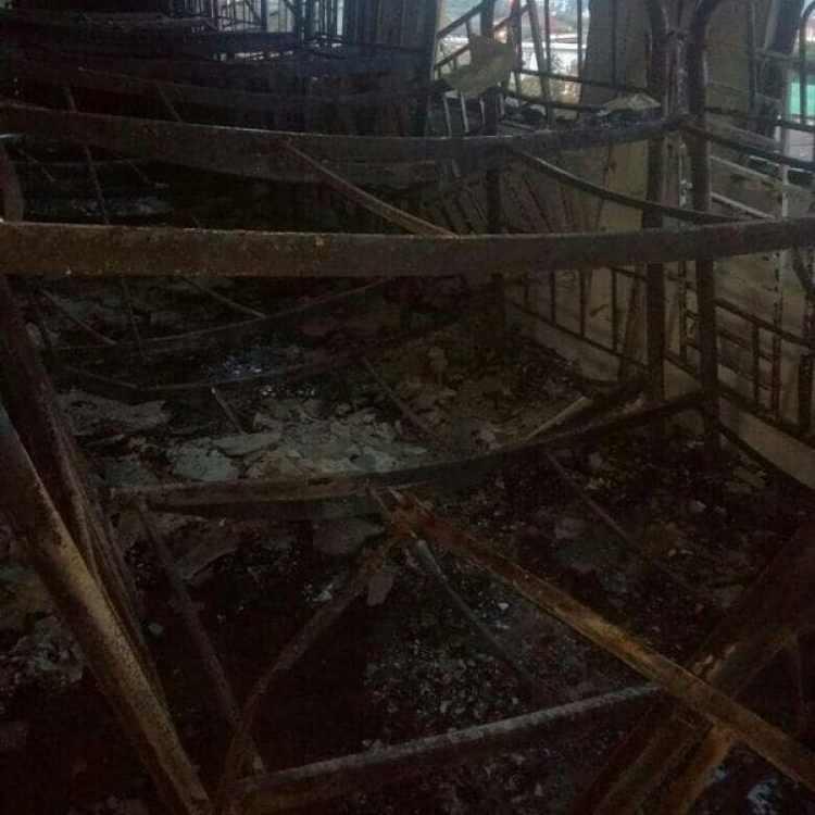 Las aulas, donde se encontraban los estudiantes, quedaron calcinadas. (Reuters)