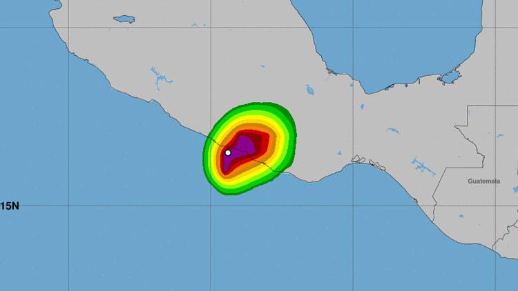 El huracán Max toca tierra por primera vez en las costas del Pacífico de México