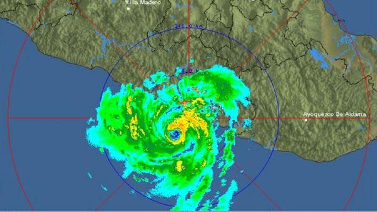 Imagen que muestra el huracán Max sobre las costas de México.