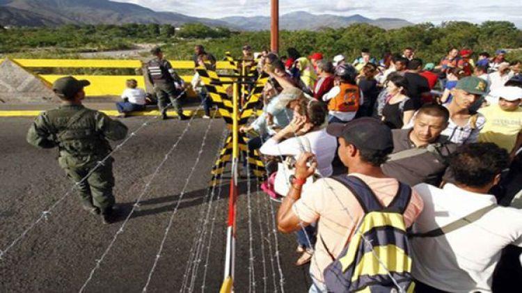 Miles de venezolanos cruzan la frontera por semana