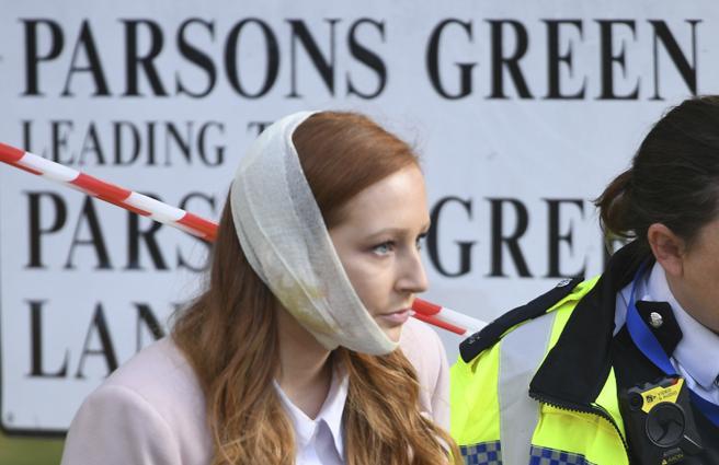 Una mujer herida en el ataque