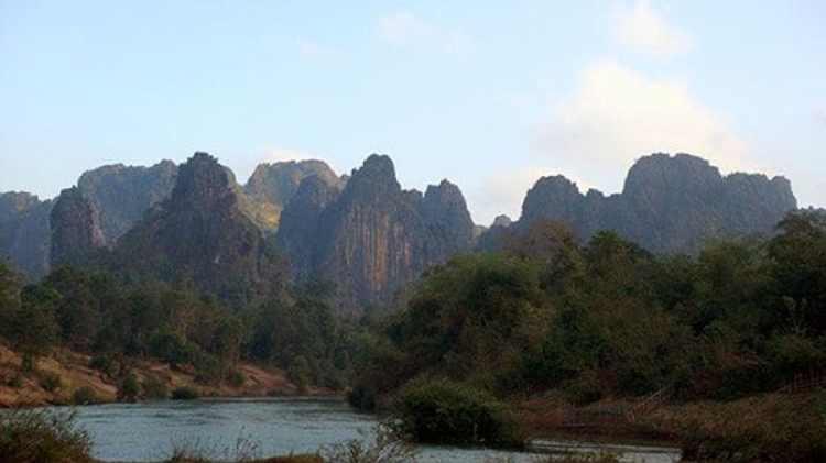 Frontera entre Vietnam y Laos