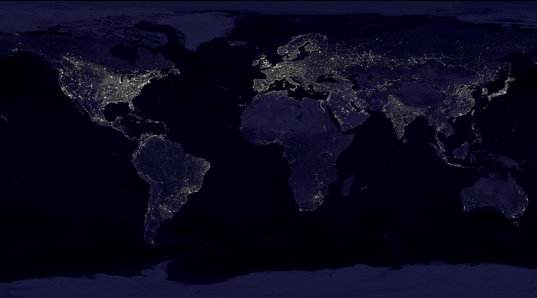 Imagen satelital compuesta de 400 imágenes de satélite separadas, actualizada al 4 de agosto de 2017 / Cortesía NASA