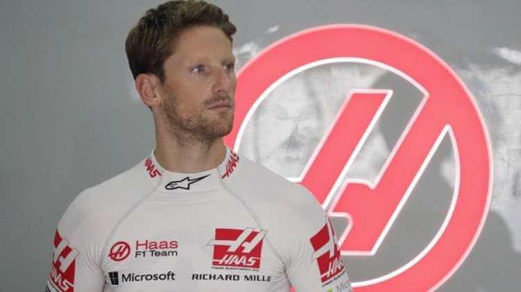 Romain Grosjean sufrió un accidente a 300 km/h en los entrenamientos libres del Gran Premio de Malasia (AP)