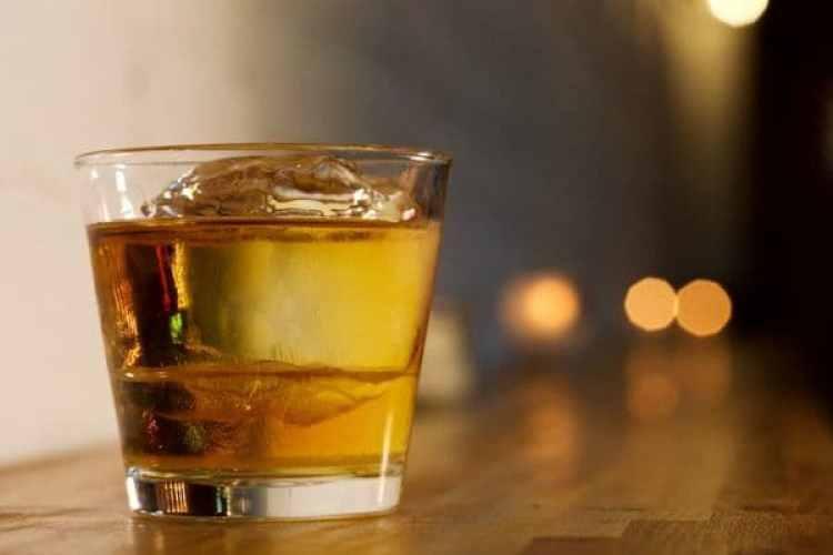 """Un whisky Bowmore 12 servido en """"Chicken Whiskey"""", un restaurante latinoamericano de Washington (Deb Lindsey / The Washington Post)"""