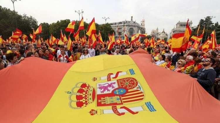 Las autoridades regionales de Cataluña mantienen el referéndum de independencia convocado para este domingo (Reuters)