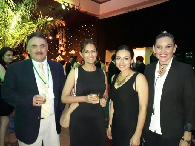 Roberto Justiniano, Cecilia Bello, Gabirela Cortez y Olivia Saurez
