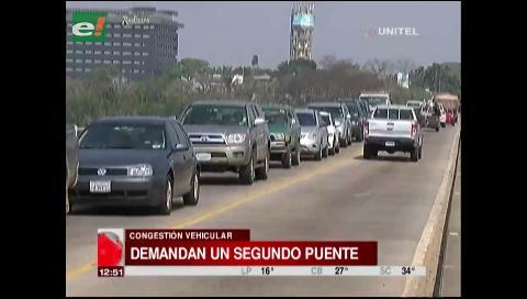 Vecinos del Urubó insisten en un segundo puente para poder transportarse