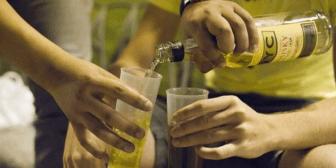 El Alto: Detienen a 26 escolares que consumían bebidas alcohólicas en una discoteca