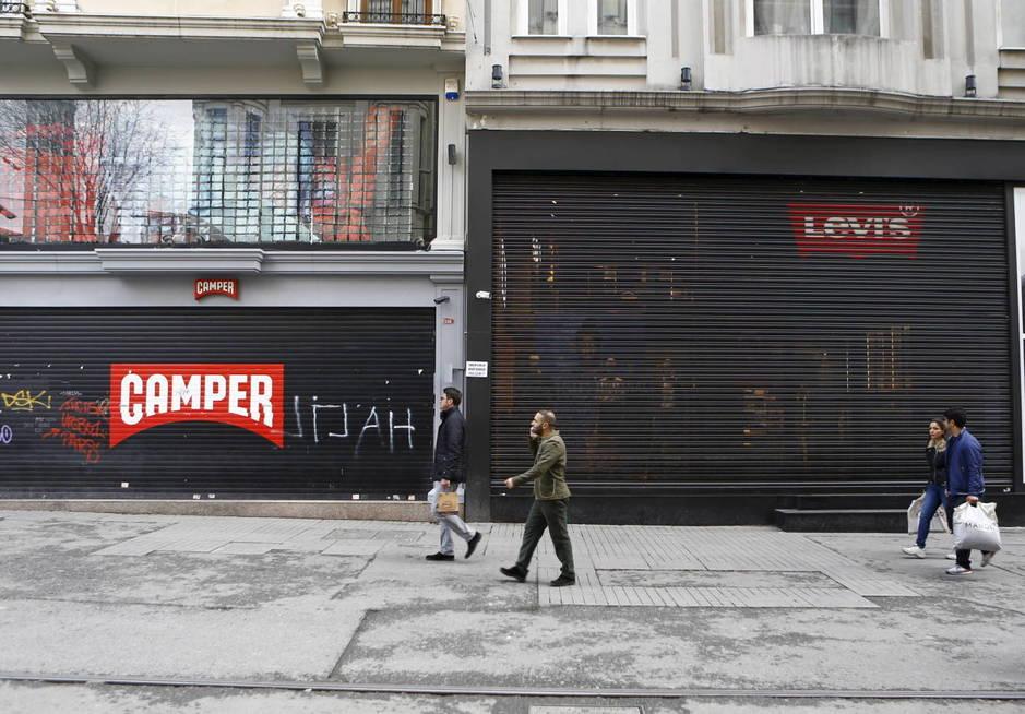 A pesar del repunte del consumo, las tiendas están cerrando. (Reuters/Osman Orsal)