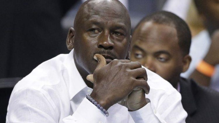 Michael Jordan opinó duramente sobre el nivel actual de la NBA (AP)
