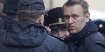 El gobierno de Vladimir Putin inhabilitó como candidato al opositor Alexei Navalny hasta 2028
