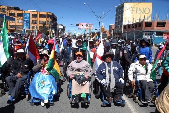 Resultado de imagen de personas con discapacidad en bolivia