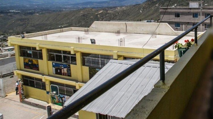La escuela donde presuntamente ocurrieron más de 80 abusos sexuales
