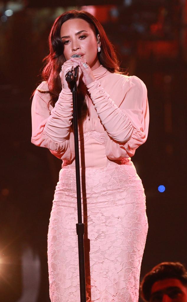 One Voice: Somos Live!, Demi Lovato