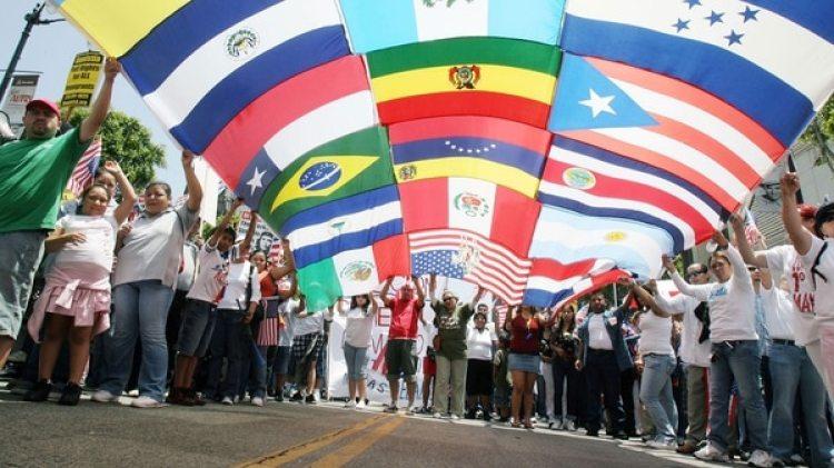 El declive del uso del español en casa es un fenómeno que está teniendo especial relevancia en algunas de las principales áreas metropolitanas estadounidenses