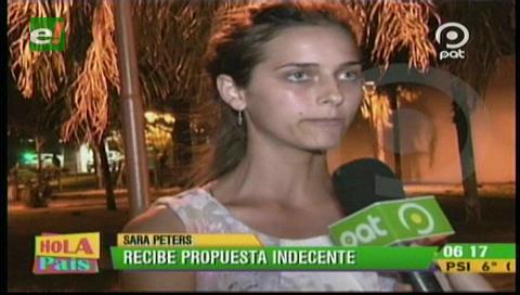 Modelo menonita Sara Peters recibe propuestas indecentes