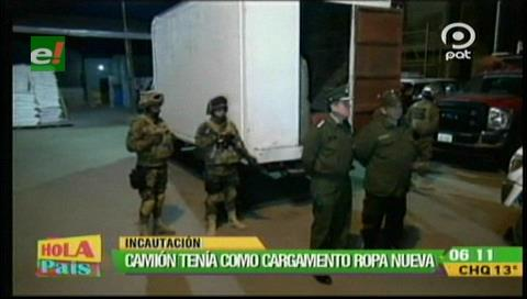 Secuestran camión con mercadería de contrabando y aprehenden a dos personas