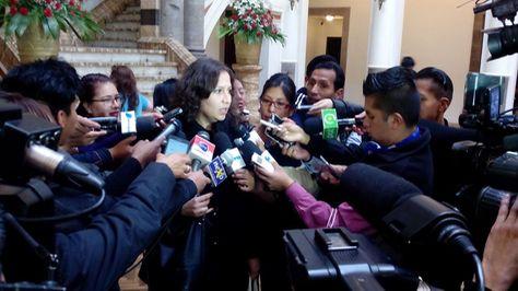 La ministra de Salud, Ariana Campero, habla sobre irregularidad en el Hospital Obrero de la CNS