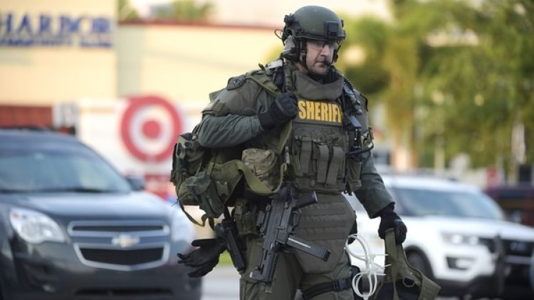 Un agente del SWAT (AP)