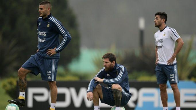 Icardi, Messi y Acosta, tres piezas fundamentales en el esquema de Sampaoli.