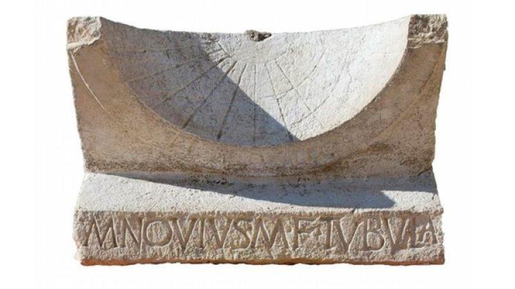 """El artefacto ha sobrevivido """"prácticamente sin daños"""" durante más de dos milenios, lo que ha permitido descifrar dos textos latinos inscritos con información precisa sobre su fabricación (Twitter: Cambridge University)"""