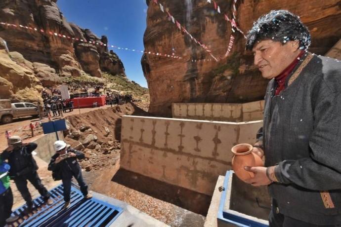 Resultado de imagen para Morales garantiza agua potable para Potosí