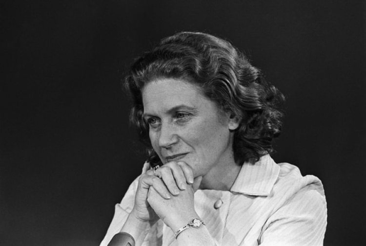 Svetlana, en un estudio de televisión en Washington, en 1969.(Original Caption).Vivió en EEUU desde 1967, cuando desertó de la entonces Unión Soviética