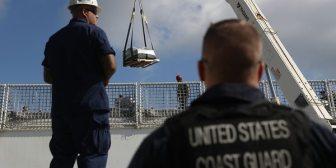 Guardia Costera descarga en Florida 10 toneladas de cocaína incautada en el Pacífico