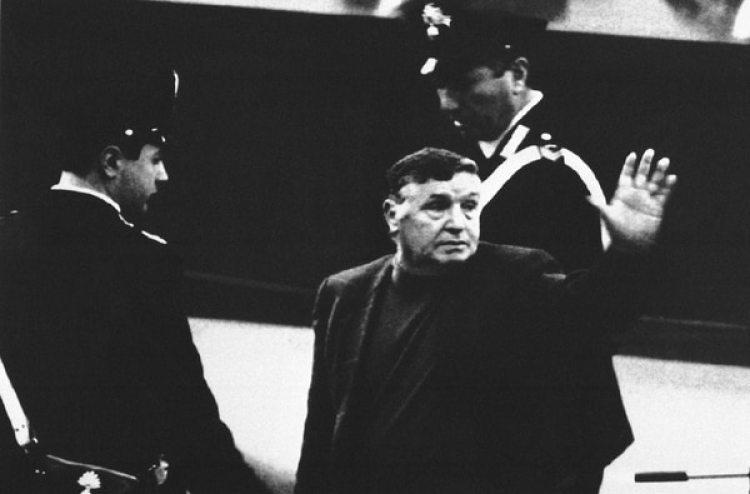 Totó Riina durante un juicio el4 de marzo 1993 (AP Foto, files)