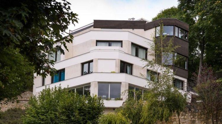Neymar dejó esta mansión la localidad de Bougival, donde vivió Ronaldinho entre 2002 y 2004 (EFE)