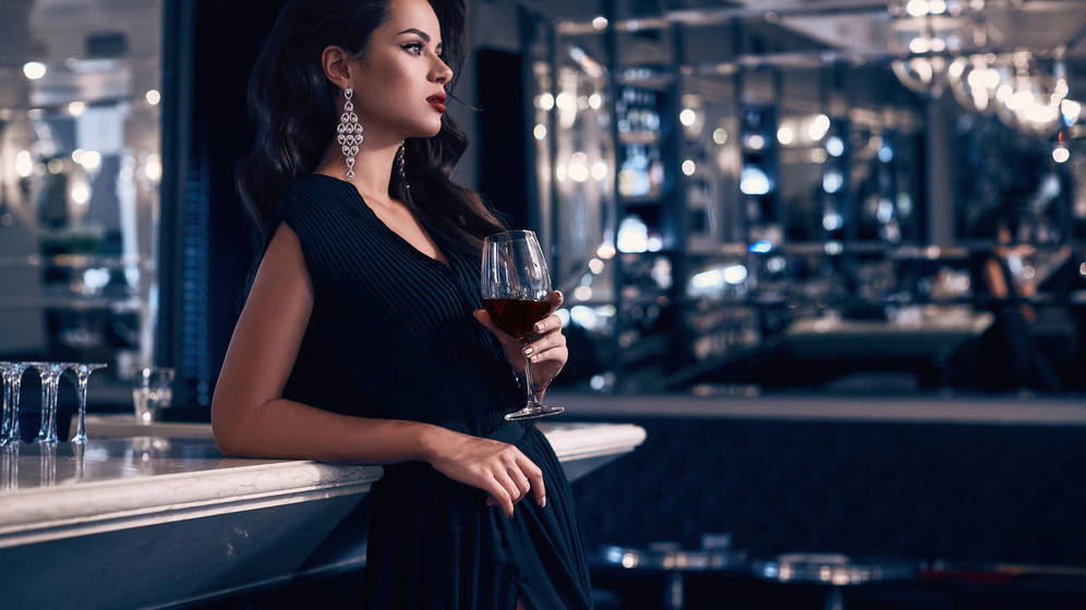 La socióloga que estudió a los ricos de Nueva York cuenta el lado oscuro de sus mujeres