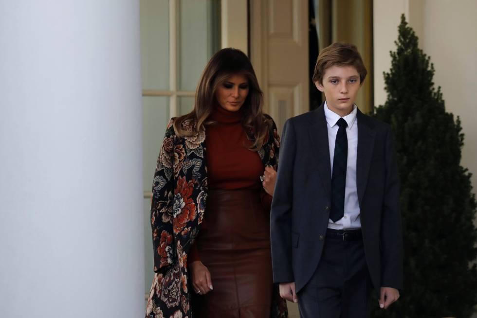 Melania Trump, con su hijo Barron, el pasado martes.