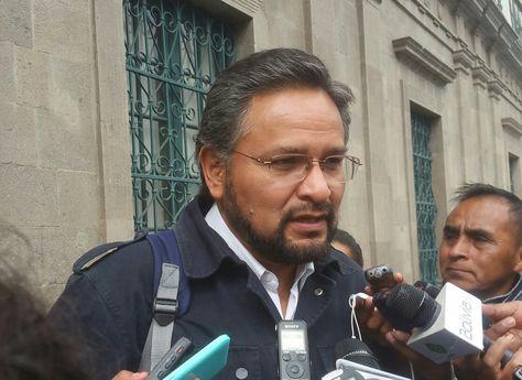 El viceministro de Coordinación con Movimientos Sociales, Alfredo Rada, en la rueda de prensa de este miércoles.