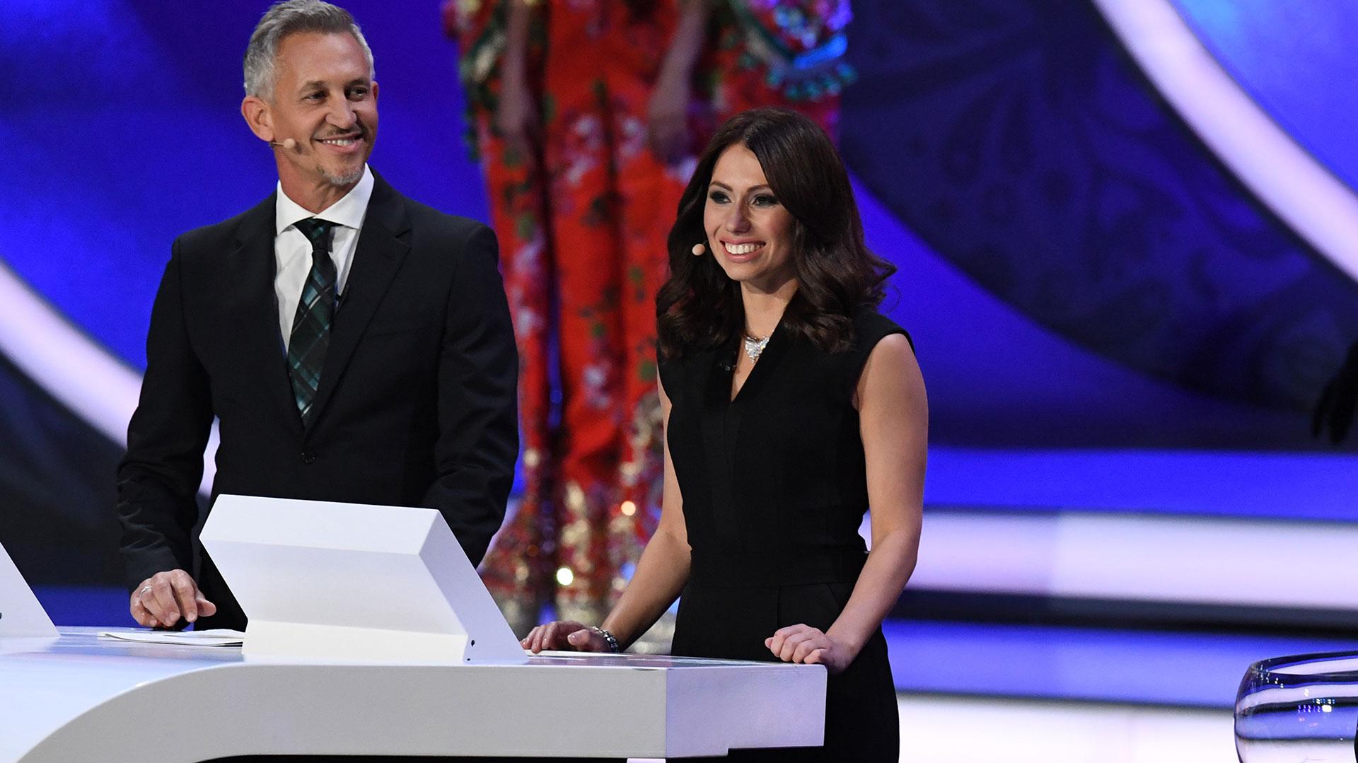 los presentadores del sorteo acompañaron la gala