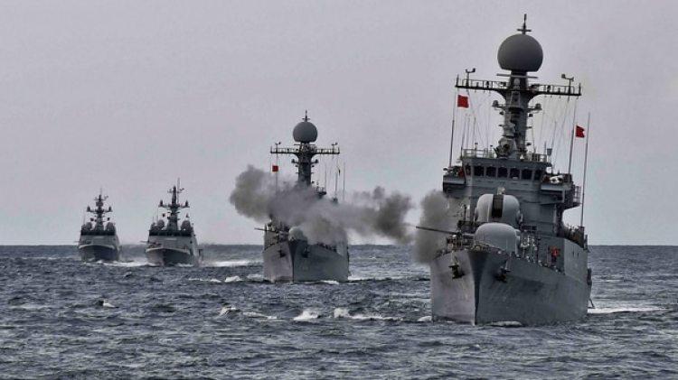 Buques de la marina de Corea del Sur durante ejercicios en el Mar del Este en septiembre de 2017 (Ministerio de Defensa de Corea del Sur via Getty Images)