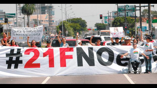Multitudinarias marchas rechazan que Evo Morales pueda volver a presentarse