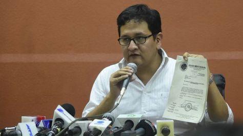 El viceministro Salud y Promoción, Álvaro Terrazas en conferencia de prensa.