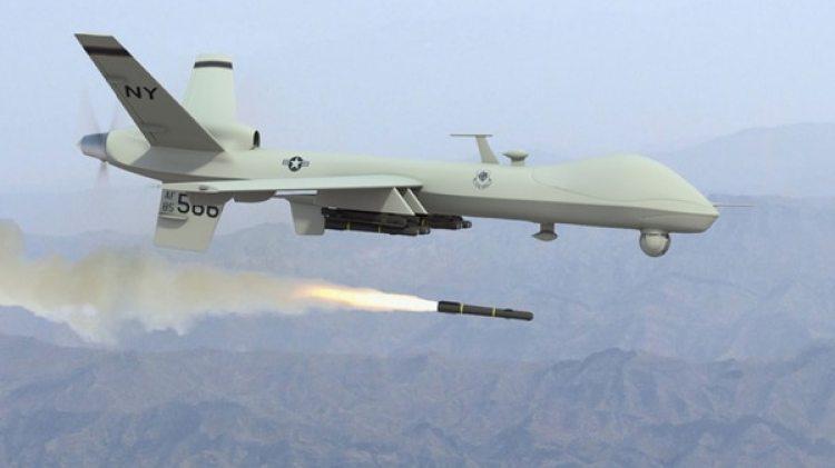 Un drone de Estados Unidos lanzando un misil hellfire