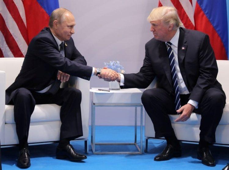 Vladimir Putin y Donald Trump en la cumbre del G20 en Alemania (Reuters)