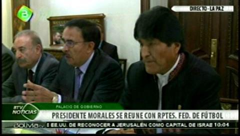 Morales garantiza remodelación del estadio Hernando Siles en acuerdo con Bolívar, The Strongest y el fútbol amateur